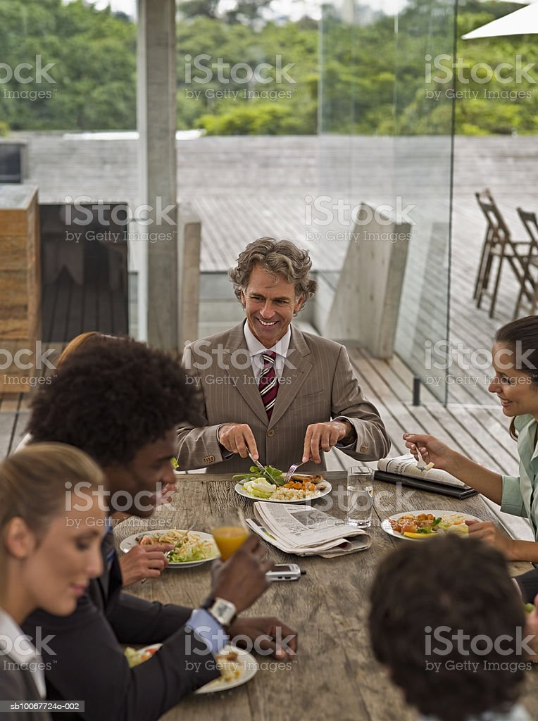 Business people eating lunch foto de stock royalty-free