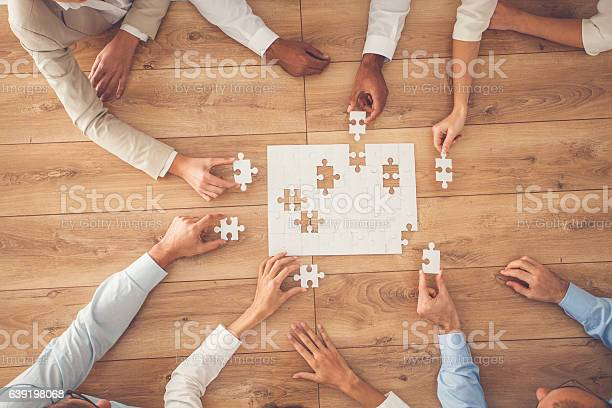 Business people finding solution together at office picture id639198068?b=1&k=6&m=639198068&s=612x612&h=x2vwvwjs6v4de7vyaplkydubkwr m9svcwlmw 0wiua=