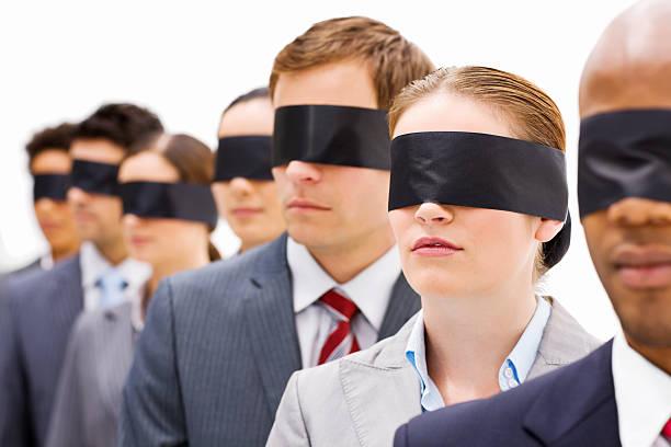 Geschäftsleute in Augenbinden – Foto