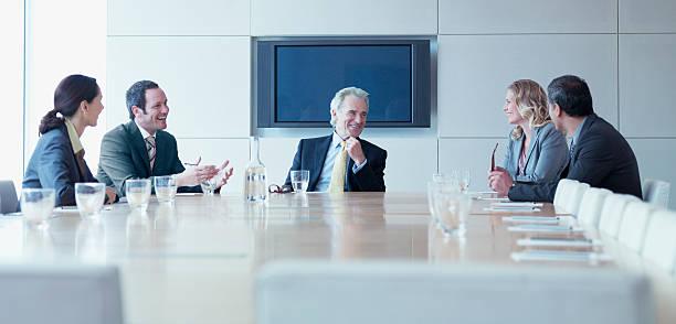 Gens d'affaires de réunion en salle de conférence - Photo