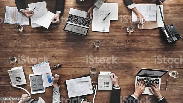 Geschäftsleute Treffen Ziel Wirtschaftlichen Wachstum Erfolg Konzept Stockfoto und mehr Bilder von Geschäftsbesprechung