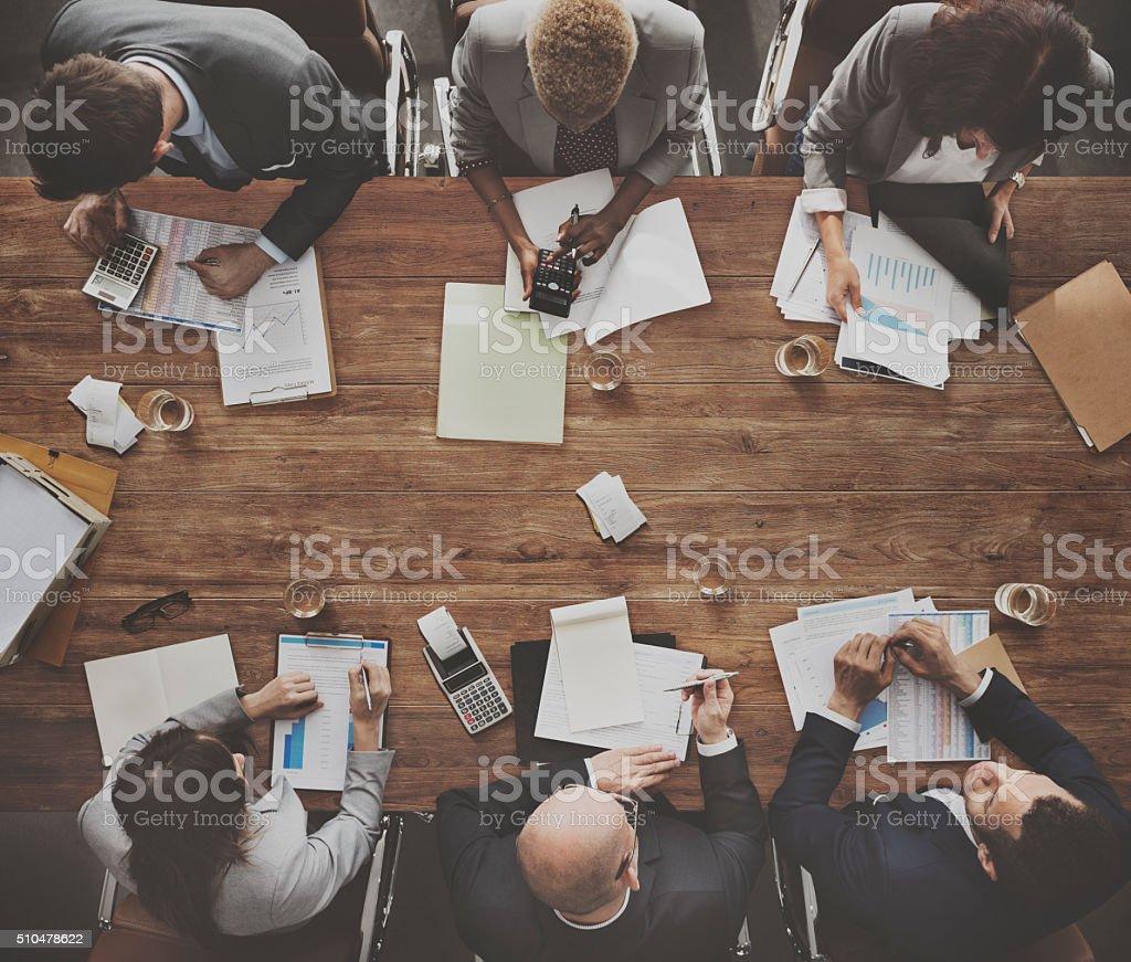 Geschäftsleute treffen Ziel wirtschaftlichen Wachstum Erfolg Konzept – Foto