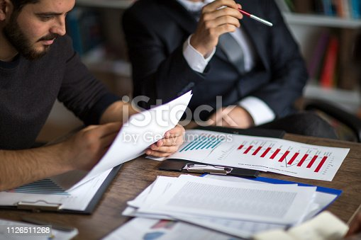881542122istockphoto Business People meeting Planning Strategy Analysis Concept laptop meeting with technology 1126511268