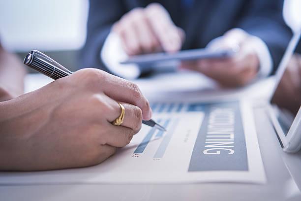 Business Personen-meeting besprechen Sie die situation auf dem Markt – Foto