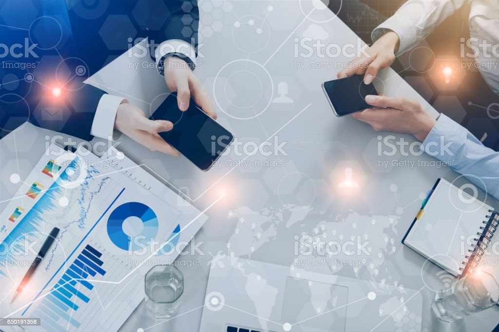 Business people meeting with technology – zdjęcie