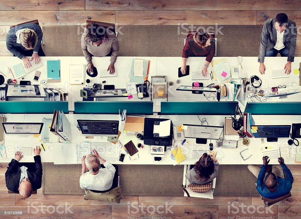 Las personas de negocios corporativos del concepto de trabajo de equipo de oficina - foto de stock