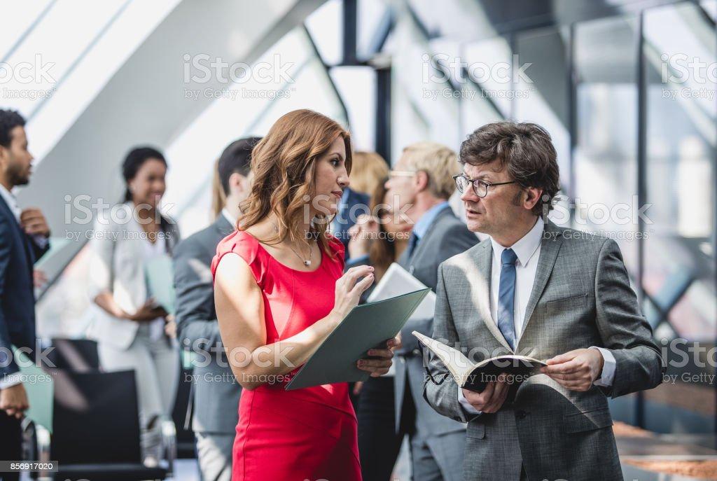 Geschäftsleute auf eine Tagungsveranstaltung – Foto