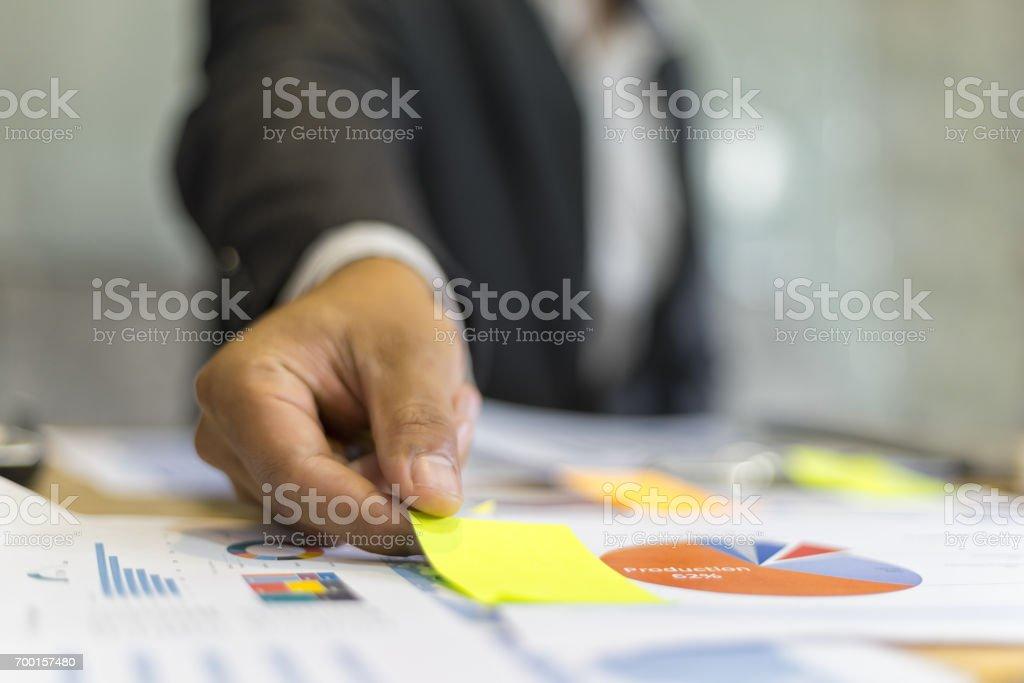 Business-Leute post-it Notizen im Tagungsraum, Teamarbeit Begriff, Planung – Foto