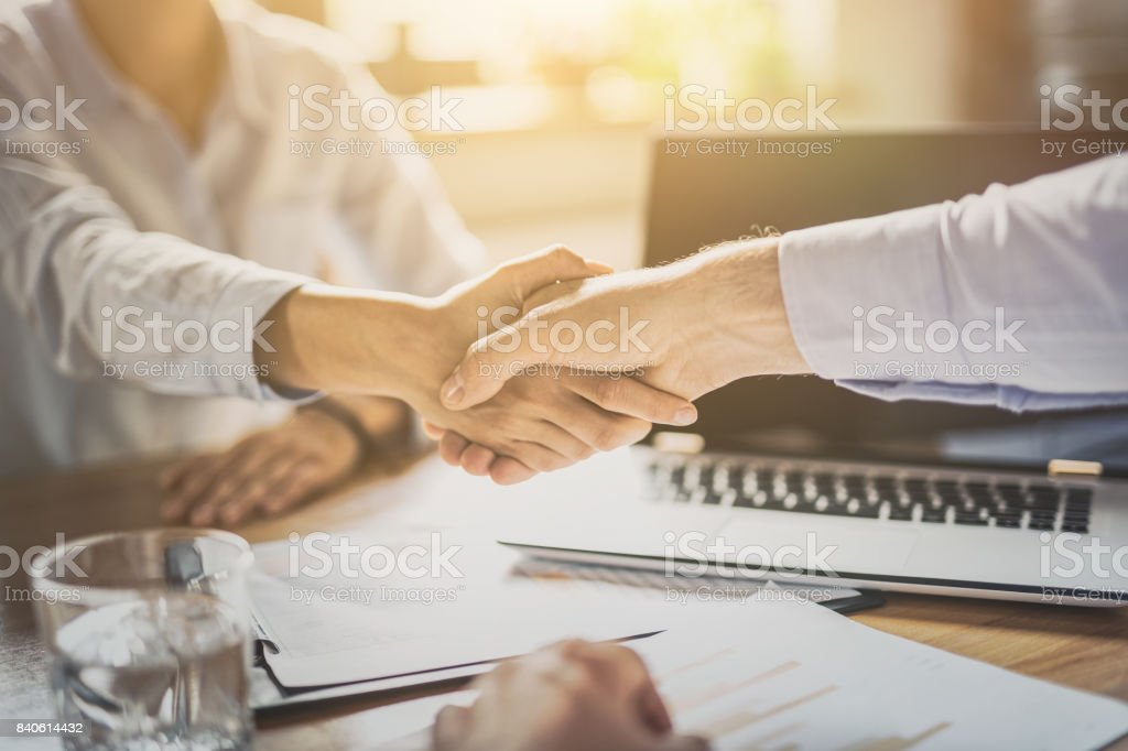 Business people shaking hands. Finishing up meeting. - foto stock
