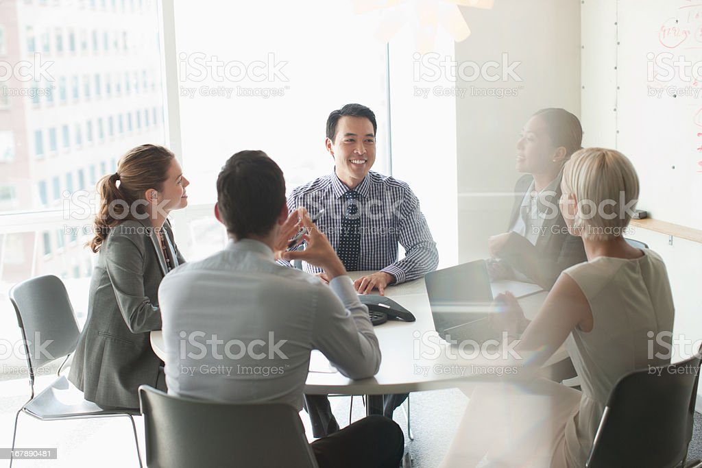 Business people talking in meeting圖像檔
