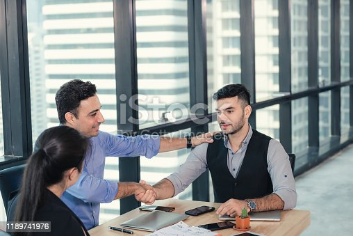 924519152 istock photo Business People Teamwork are Meeting Conference and Congratulations Successful for Their Project. Group of Team Employees Colleagues Congratulated to Partnership After Dealing Complete, Business Teams 1189741976