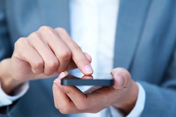 Geschäftsleute mit Smartphone – Foto