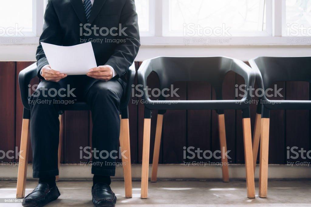 Geschäftsleute, die darauf warten, in Interview gestellt werden. – Foto