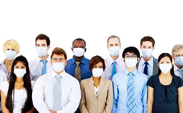 Gente de negocios usando la máscara médica concepto - foto de stock