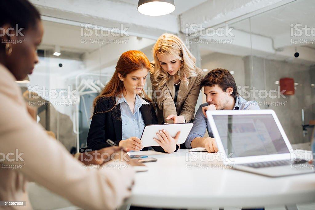 Geschäftsleute Arbeiten in office Lizenzfreies stock-foto