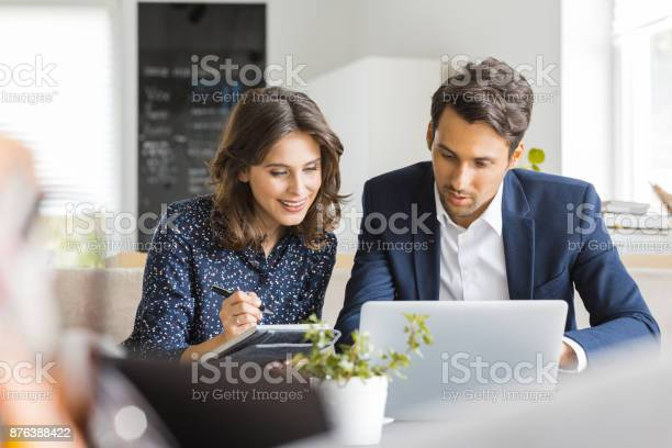 Business people working together at coffee shop picture id876388422?b=1&k=6&m=876388422&s=612x612&h=7o7h6ifwlcixalfkg8jwlxm 9fos kvsstg21c1wk5y=