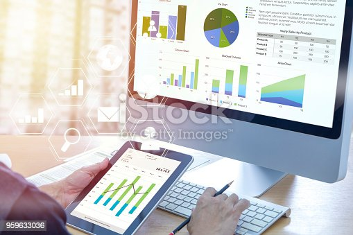 istock Business performance analysis 959633036