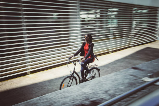 Business Person Commuting by Bicycle, Blurred motion – Foto