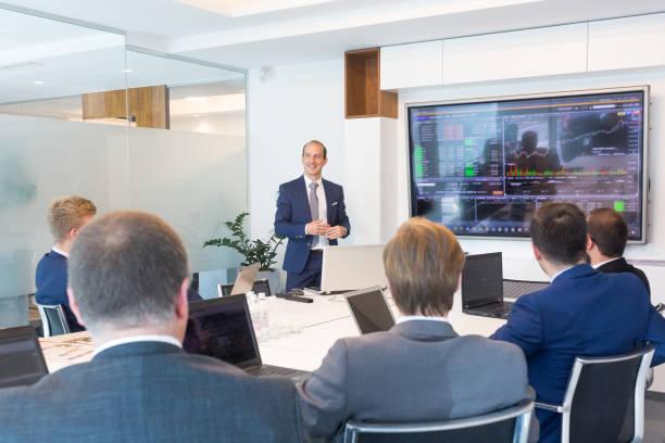 Présentation d'affaires sur la réunion d'affaires. - Photo