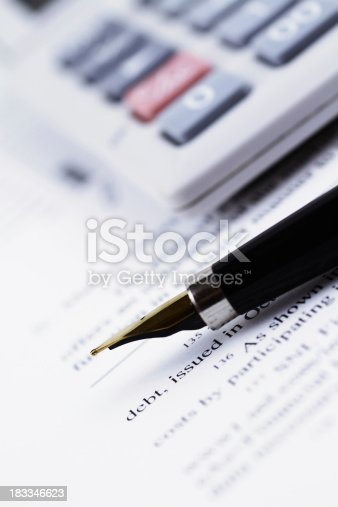 611868428 istock photo Business Report 183346623