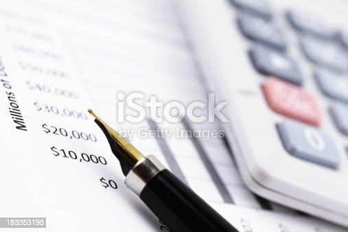 611868428 istock photo Business Report 183353195