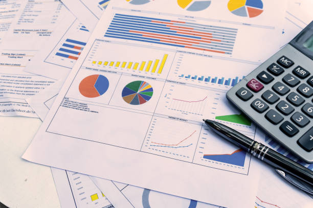 business report with pen statement with graph and data analysis - foto stock