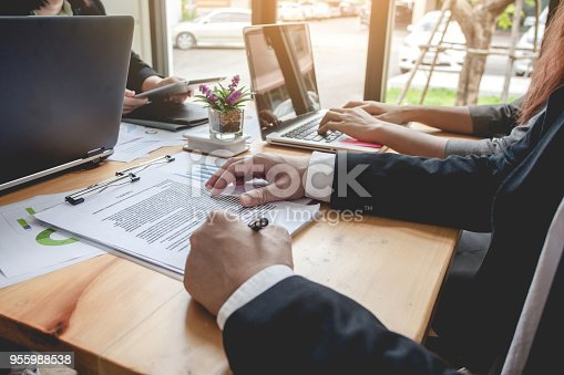 955988522istockphoto Business Signing a Contract Buy - sell house. 955988538