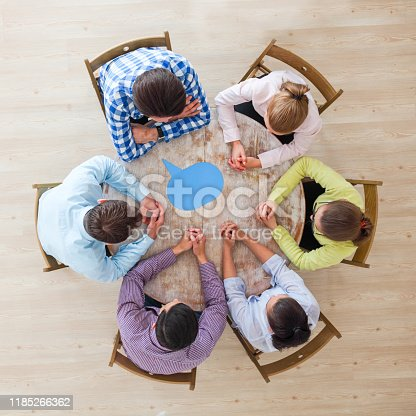 istock Business team and dialog boxes 1185266362