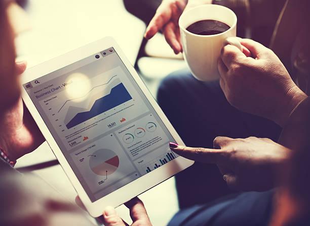 business team brainstorming daten ziel finanzielle cocnept - gute webseiten stock-fotos und bilder