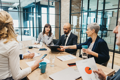 istock Business team having meeting in an office 925942192
