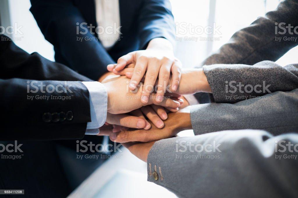 Unternehmensgruppe Teamarbeit setzen ihre Hände zusammen, Geschäftskonzept, Teamwork Konzept – Foto