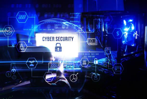 Business, Technologie, Internet und Networking-Konzept. Mann Arbeit an seinem Computer und Server, wählen Sie die Symbol-Cyber-Sicherheit auf dem virtuellen Display-Diagramm. – Foto