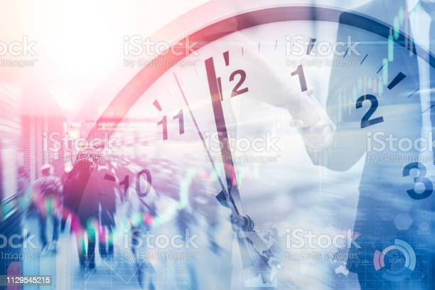 Business time and working hours for financial and money office picture id1129545215?b=1&k=6&m=1129545215&s=612x612&h=ck3vrfhevrhq4fkxyjaiybid2q uwbym vpm pwu3tk=