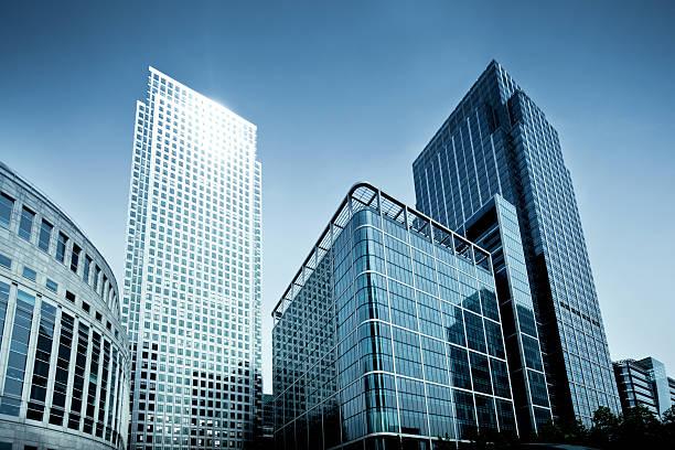 torres de negócios - arranha céu - fotografias e filmes do acervo