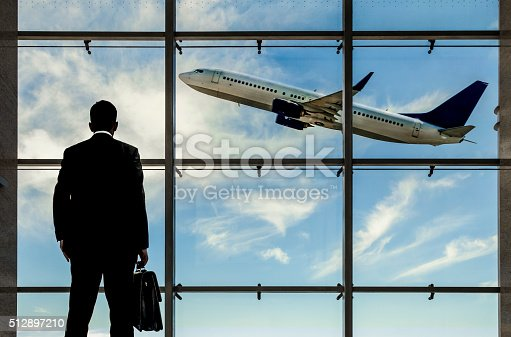 509630674 istock photo Business Travel 512897210