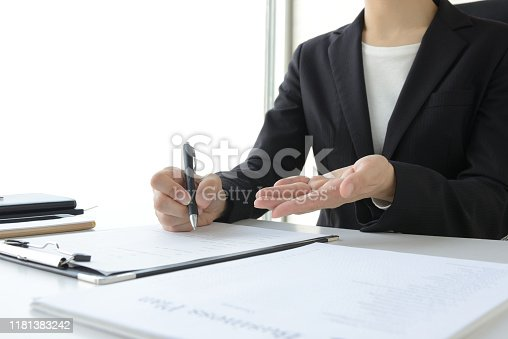 933380808 istock photo Business woman consulting in office 1181383242