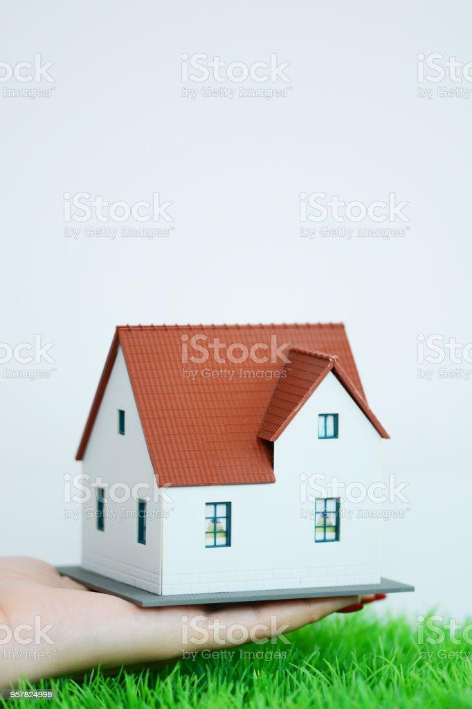 caf4c184b88f3e Photo libre de droit de Femme Daffaires Ou Agent Immobilier Maison ...