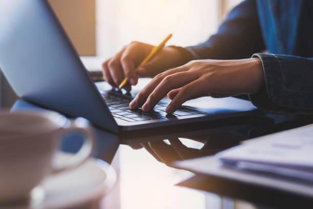 business woman - post it notes zdjęcia i obrazy z banku zdjęć