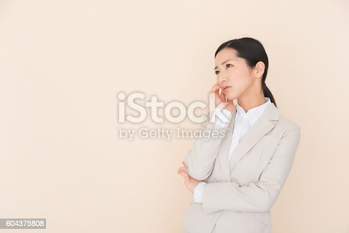 istock Business woman 604375808