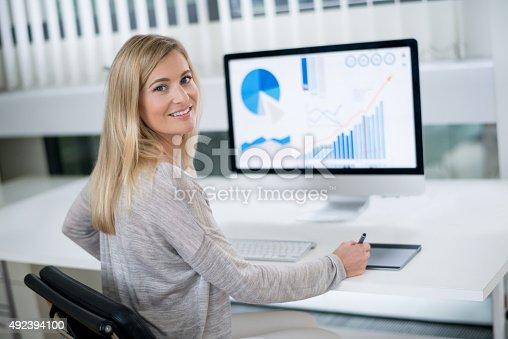 istock Business woman working at the office 492394100