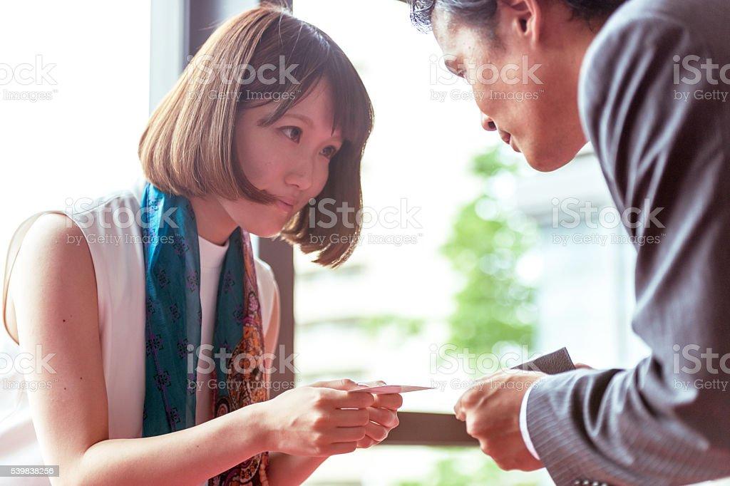 Businessfrauen Eingetauscht Visitenkarten Kyoto Japan