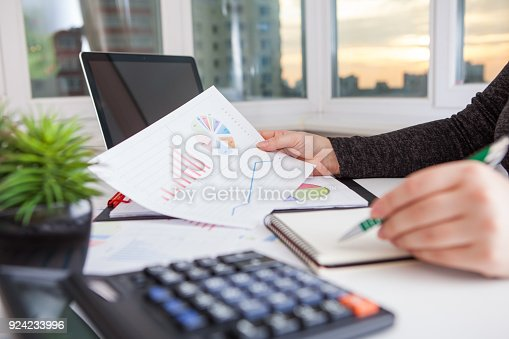 istock Business women work process.Marketing strategy brainstorming. 924233996