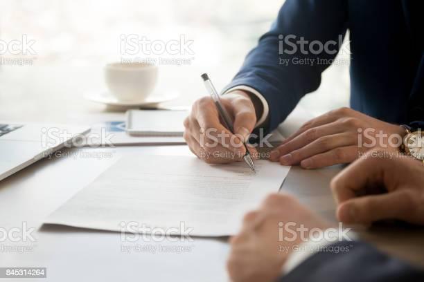 Businessman accepting business partners offer picture id845314264?b=1&k=6&m=845314264&s=612x612&h=u ey8n3ikupz bdh3m h2p0 hpi5moduycjfd xvlq8=