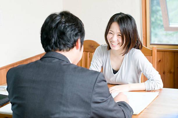 交渉 - sales talk ストックフォトと画像