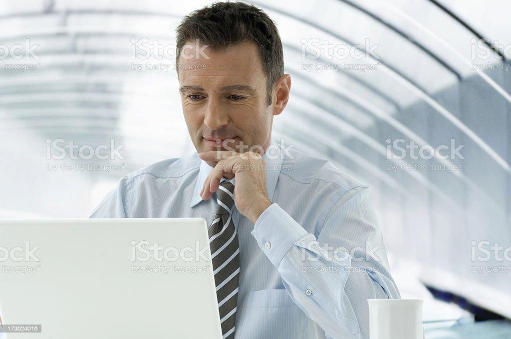 Geschäftsmann UND Computer – Foto