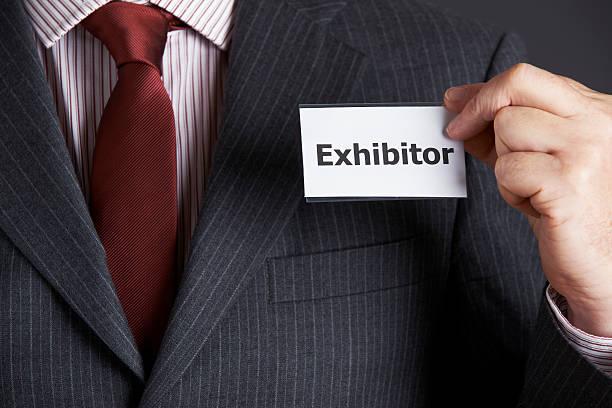 Empresario conectar expositor tarjeta para funda - foto de stock