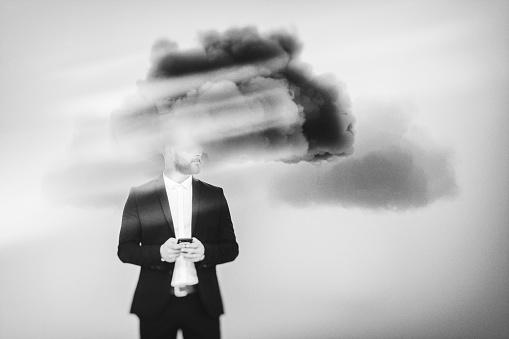 Businessman Brainstorming Cloud Computing - Fotografie stock e altre immagini di Adulto