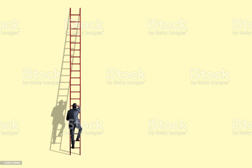 Homme d'affaires d'escalade échelle - Photo