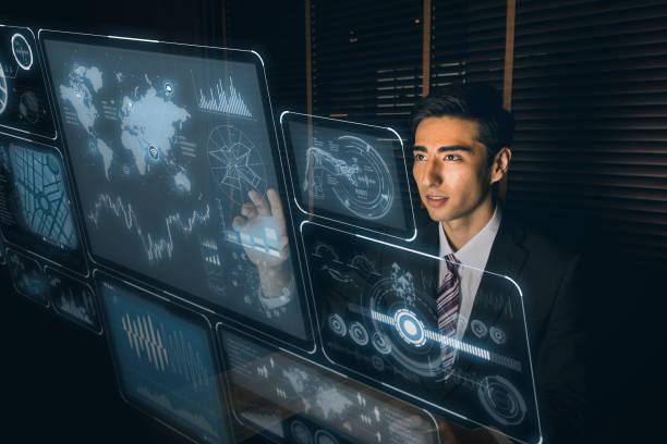 interface futuriste hologramme contrôlante par homme d'affaires. - Photo
