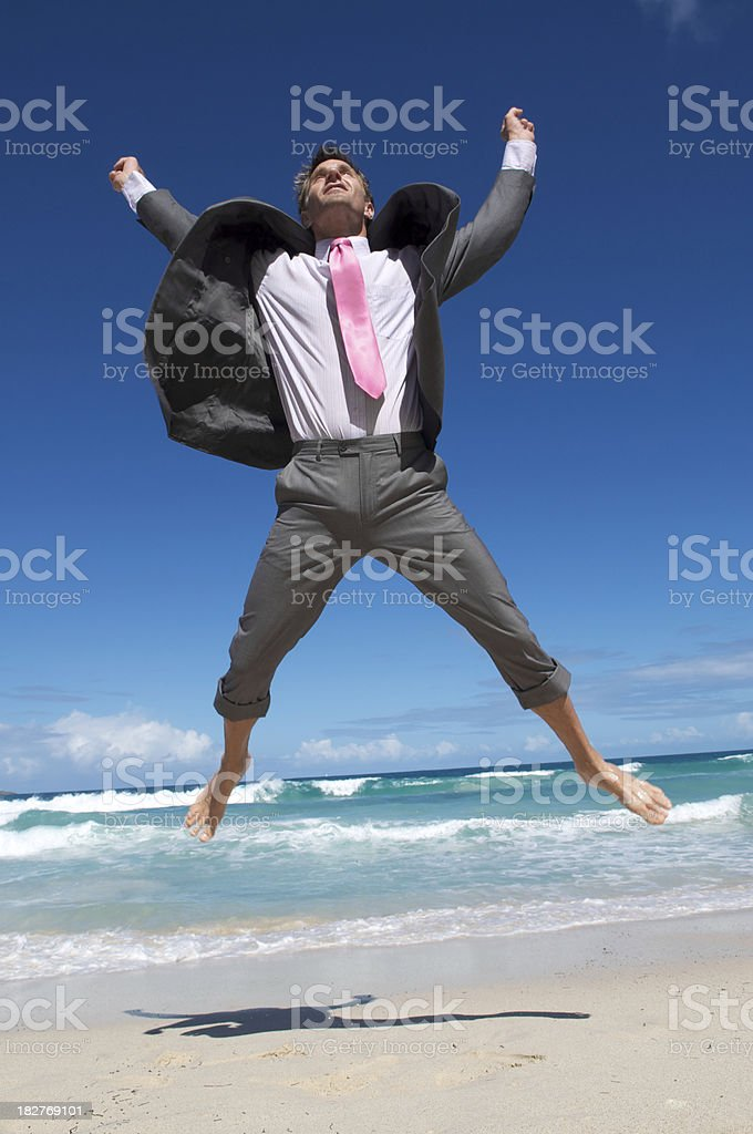Hombre de negocios no eufórico saltar en el aire - foto de stock